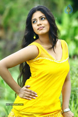 Iniya Bra Size, Weight, Height and Measurements