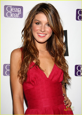 Shenae Grimes Bra Size, Weight, Height and Measurements