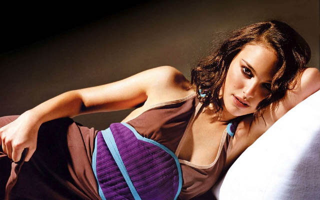Natalie Portman Bra Size, Weight, Height and Measurements