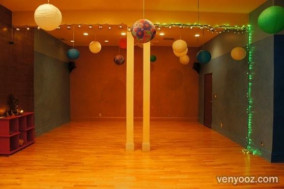 Indoor Yoga Studio at Liberation Yoga - Los Angeles, CA | Venyooz