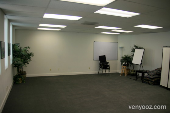Main room at the meeting room los angeles ca venyooz - Small event spaces los angeles ideas ...