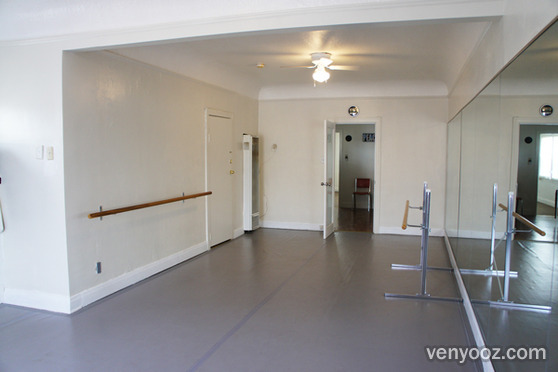 Marley dance room at white hall arts academy los angeles for Porte arts and dance studio