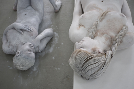 Vanessa_Beecroft_Deitch_Studios_New_York1