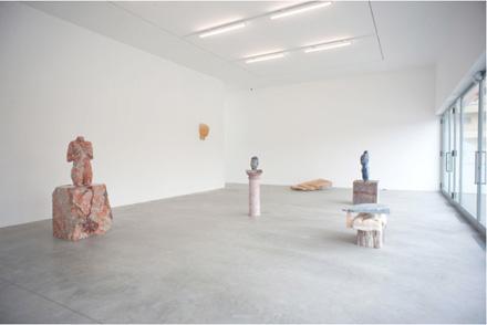 Vanessa_Beecroft_Lia_Rumma_Milan_installation9
