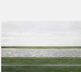 Andreas Gursky Rhein II 1999
