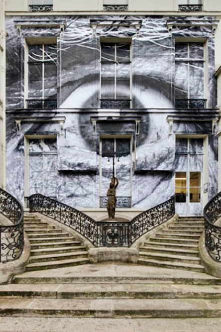 JR-Encrages-Galerie Perrotin