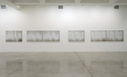 Uta Barth-Installation view 2-Tanya Bonakdar
