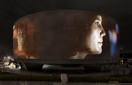 Doug Aitken, Song 1 view 07 (2012). Hirschhorn Museum