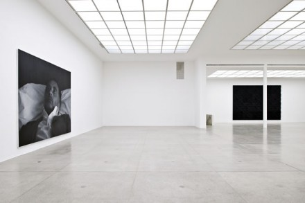 Rudolf Stingel - Installation View - Secession 2