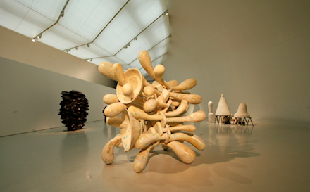Tony Cragg, Sculptures and Drawings, Exhibition View 1