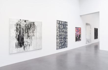 InstallationView-FineYoungCannibals-Petzel