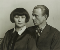 August Sander, The Painter Otto Dix and His Wife Martha, vi a Art News