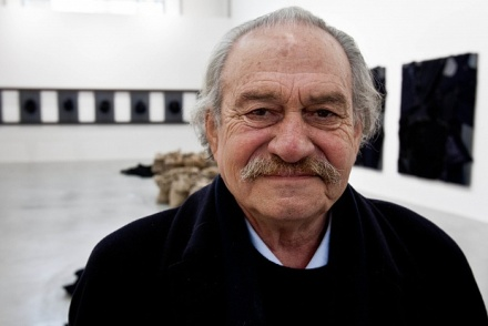 Jannis Kounellis, via Art Newspaper
