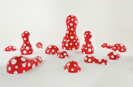 Yayoi Kusama, GUIDEPOST TO THE NEW WORLD, (2016), via Victoria Miro