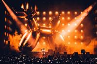 Jeff Koons Jayz Baloon, via Spin