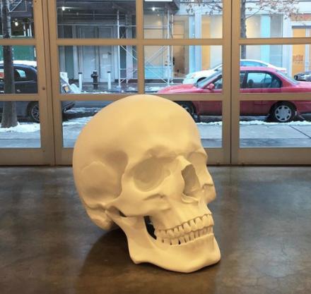 Katharina Fritsch, Skull (2017), via Art Observed