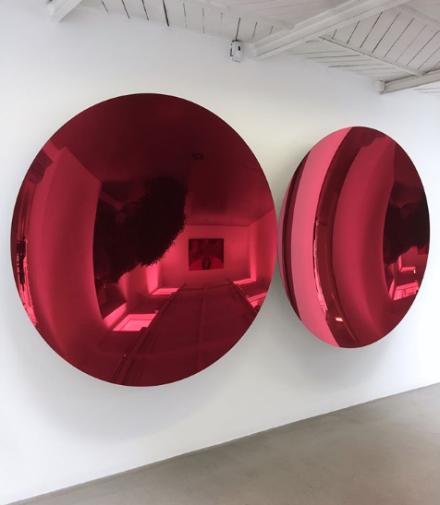Anish Kapoor, Mirror (Magenta Apple mix 2) (2018), via Art Observed