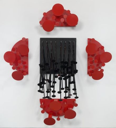 Lygia Pape, Red and Black Amozonino (1990)