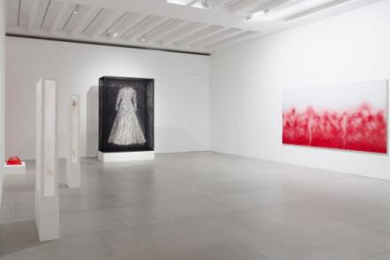 Chiharu Shiota, Me Somewhere Else (Installation View), via Blain Southern