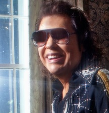 Meet Ronnie Milsap & Receive 4 Tickets to a Show of Your Choice