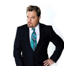 Grab a Friend and Meet Eddie Izzard with 2 Tickets to an Upcoming Show of Your Choice
