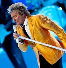 4 FRONT ROW Tickets to See Rod Stewart in Youngstown, OH on August 24