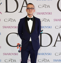 Enjoy Lunch with CEO of the CFDA, Steven Kolb & 2 Tickets to a New York Fashion Week Runway Show