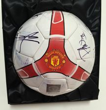 Team Signed 2011-2012 Manchester United Ball with Certificate of Authenticity