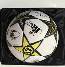 Team Signed 2012-2013 Manchester United Ball with Certificate of Authenticity