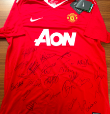 Team Signed Manchester United Jersey with Certficate of Authenticity