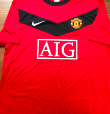 Signed 2011 Manchester United Ryan Giggs Jersey with Certificate of Authenticity