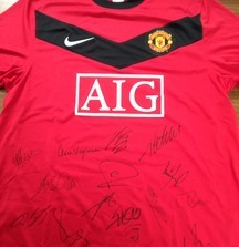 2008-2009 Manchester United Team Signed Jersey Including Certificate of Authenticity