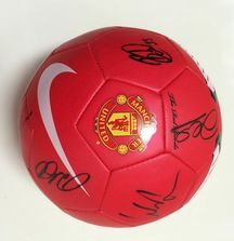Team Signed 2010-2011 Manchester United Ball with Certificate of Authenticity