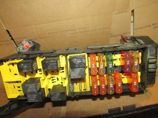Oem 1997 Jeep Grand Cherokee Under Hood Relay Center Fuse