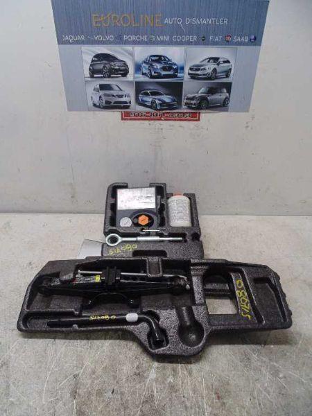 2012 VOLVO S60 Jack 38012