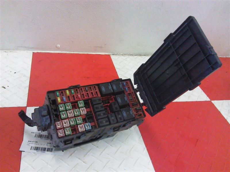 04 11 lincoln town car fuse box engine 4 6l click to close full size item description this listing is for a used 04 11 lincoln town car fuse box