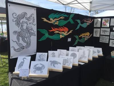 MKDNA live Art Market Displays