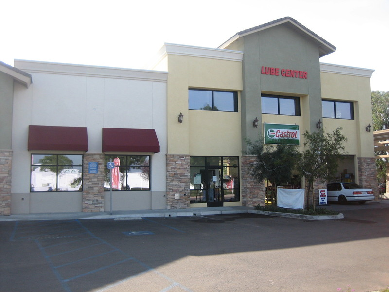 Store_front_right