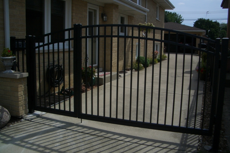 Arched_drive_gate