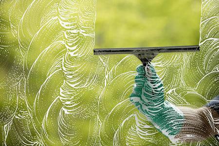 Streak_free_window_washing