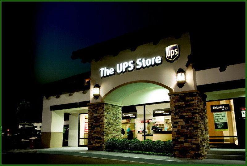 Ups_store_shipping