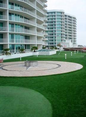 Artificial_turf_commercial_application