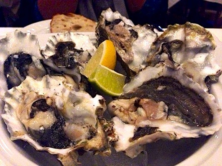 Crossings_-_palm_cove__washington__oysters_on_the_half_shell_-_photo_by_shelley_z