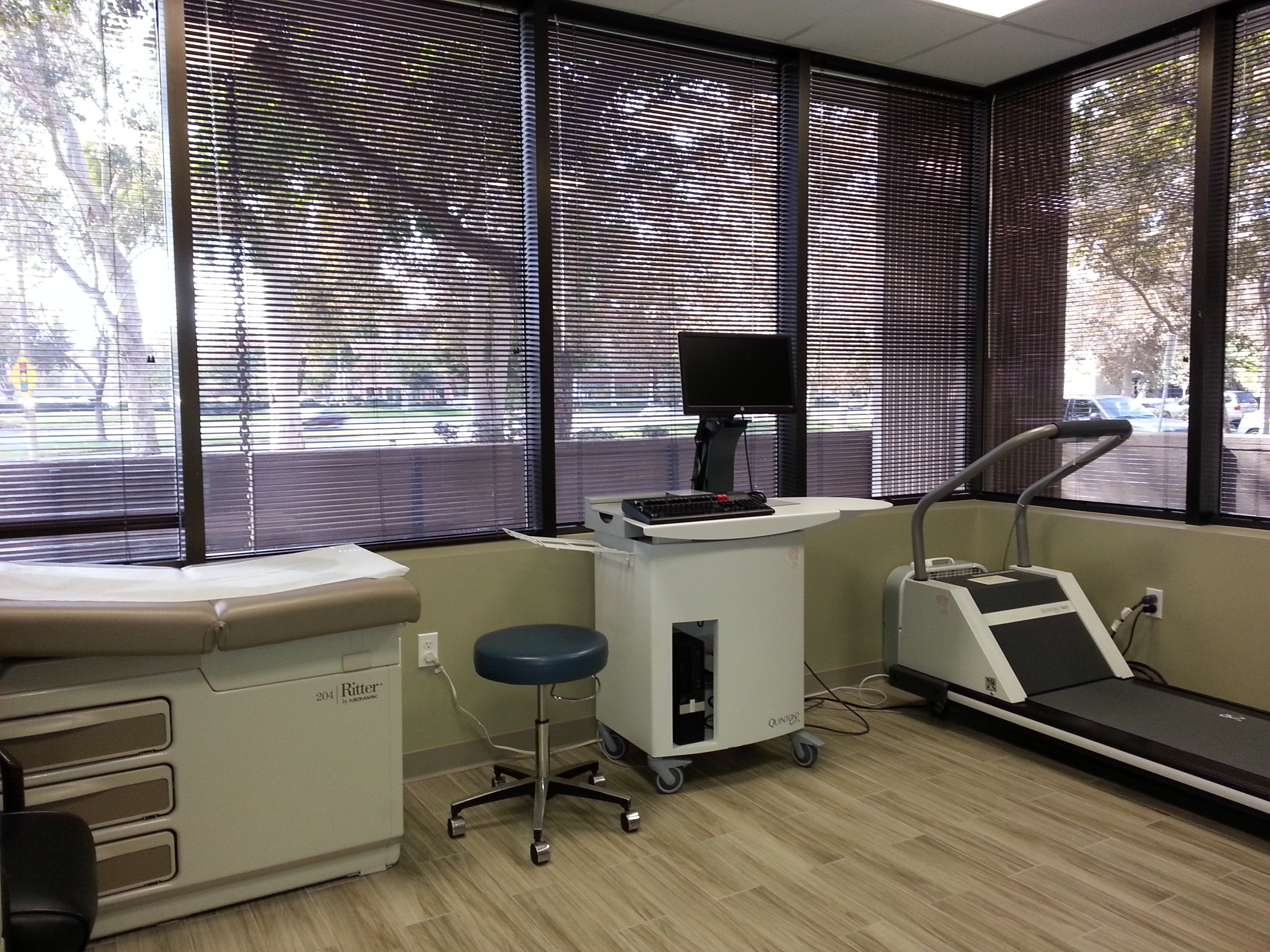 Lewis, Dennis P, Md - Scv Quality Care in Valencia, CA, photo #6