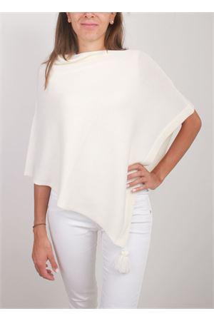 Mantella in lana bianca con pon pon decorativi La Bottega delle Idee | 52 | PBWOOLBIANCO