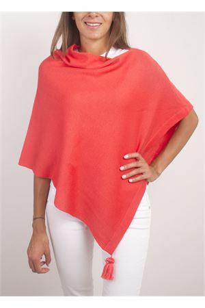 Poncho mantella color corallo con pon pon La Bottega delle Idee | 52 | PBWOOLE55