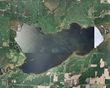 An overhead view of Lake Noquebay, east of Crivitz, Wis. (Photo by Lake Houses of Wisconsin)