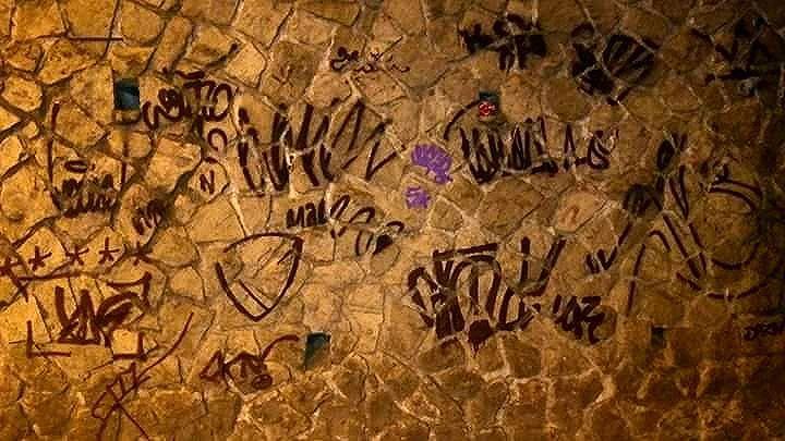 5ORIGINAL DA RUA. ORIGINAL DO RIO. A ARTE URBANA VIVE. O RIO GOSTA DE VER. ANTIGOS & ATUAIS. ALÉM DOS MUROS. NADA MUDARÁ NOSSA CONDUTA.  #5estrelas11anos #poolparty #terrordorio #bondedotavala #pixacaocarioca #pixadores #vandals #underground #uniaodetribos #alemdosmuros #antigoseatuais #originaldarua #streetartrio #urbanart #vyvah #bondedovuca #vandalismo #xrf #pixo #xarpi #rap #graffiti #fivestars #tudo5 #midia #tag #culturaderua #rj #021 #brasil