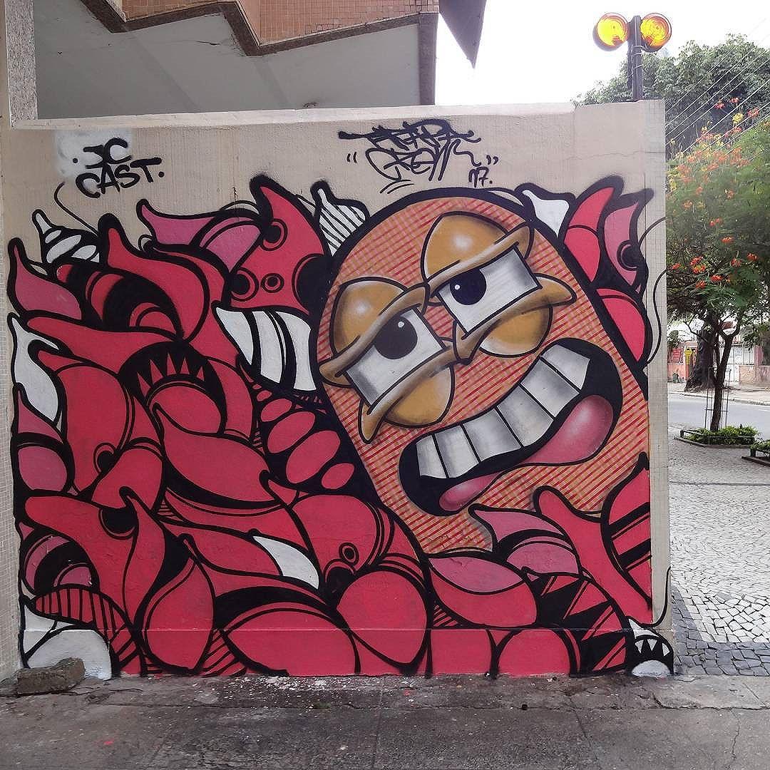 Graffiti wall by @castleonardo and @juliojcrj . #trapacrew #streetartrio #graffitiart #streetart #artederua #urbanart #arteurbana