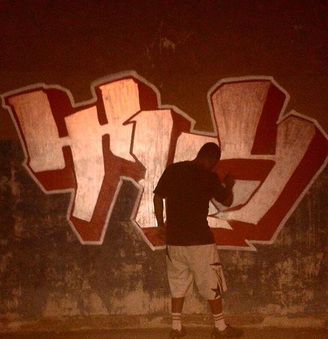 5ORIGINAL DA RUA. ORIGINAL DO RIO. ALÉM DOS MUROS. NADA MUDARÁ NOSSA CONDUTA.  #5estrelas #originaldorio #bondedovuca #terrordorio #pixacaocarioca #vandals #underground #uniaodetribos #alemdosmuros #antigoseatuais #originaldarua #streetartrio #urbanart #vandalismo #mutiraodotrabalhador #xarpirapfestival #pixo #xarpi #rap #graffiti #fivestars #tudo5 #midia #tag #culturaderua #riodejaneiro #021 #brasil